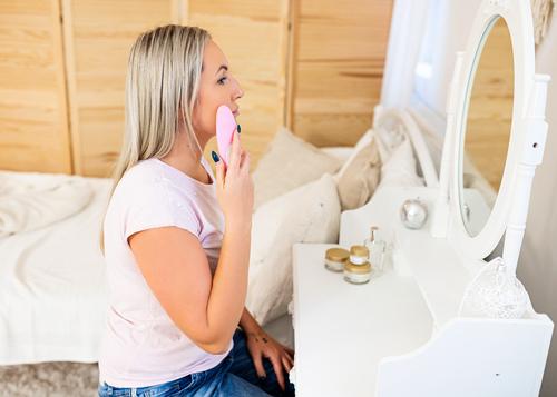 InnoGIO Wielofunkcyjne urządzenie do masażu twarzy i pielęgnacji skóry GIOperfect Shine GIO-705  (4)